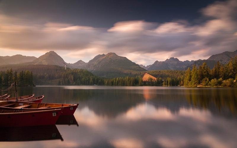 很安静的风景画图片